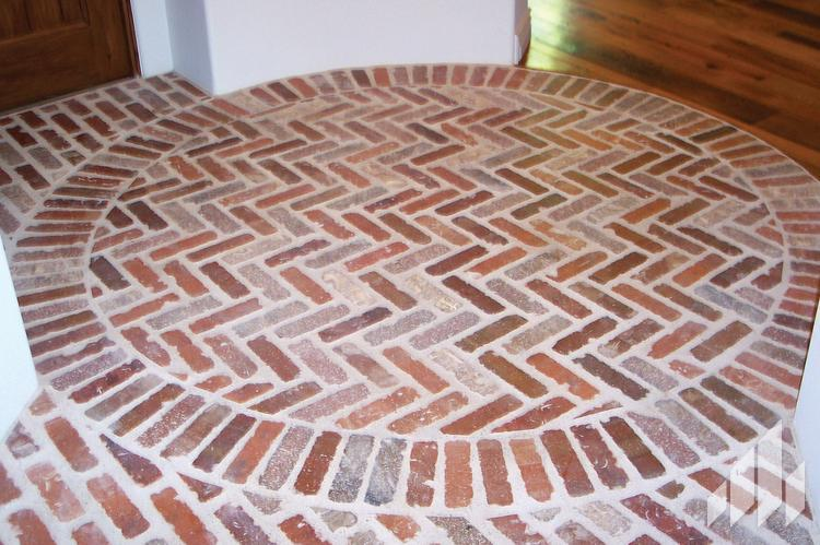 Batchelder collins inc old brick originals thin brick for Brick veneer floor
